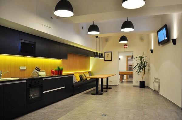 Apartamentai COMETO - Garso įranga, vaizdo įranga, foninis įgarsinimas, evakuacinis įgarsinimas, silpnos srovės, garso kolonėlės - UAB Seleris